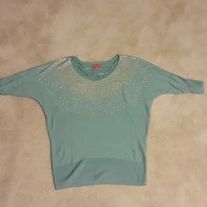 (2 for $20)EUC Elle sweater size Small